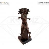 مجسمه برنز زن دو صورت