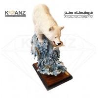 مجسمه خرس روی صخره